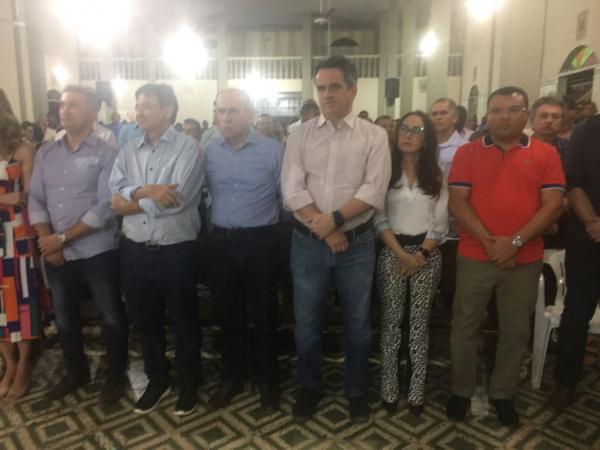 Dr. Macaxeira cobra do governador recursos para conclusão de asfalto