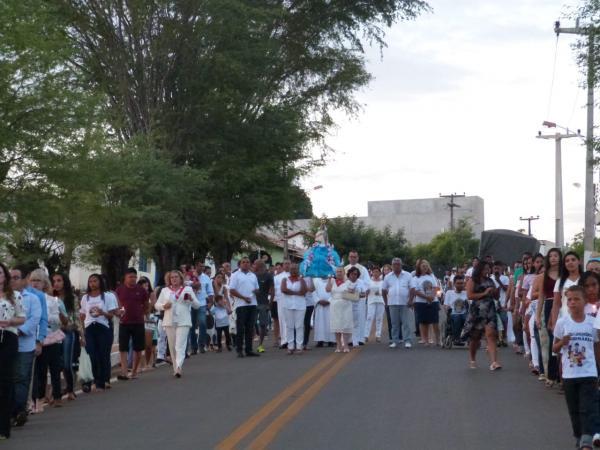 Procissão e festa da Divina Pastora encerram os festejos da cidade