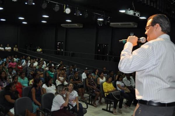 'Agosto Dourado': Prefeitura de Corrente realiza palestra sobre amamentação.