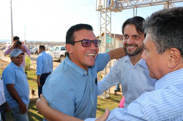 Prefeito Raimundo Santos esteve com o Ministro das Cidades