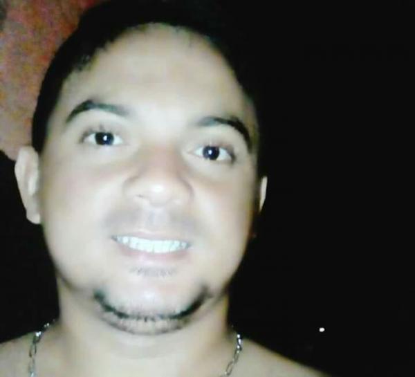 Homem morre após levar facada em festa na cidade de Santa Luz