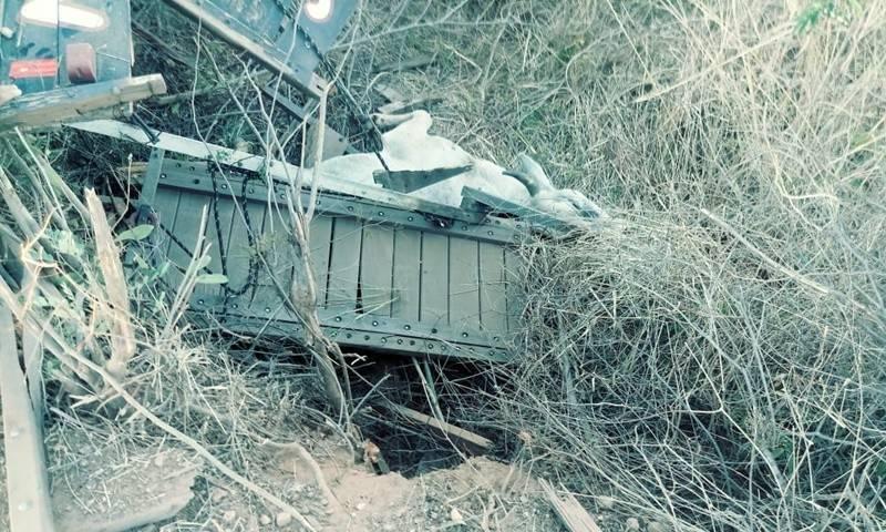 Caminhão boiadeiro tomba na PI- 255, próximo a cidade de Corrente.