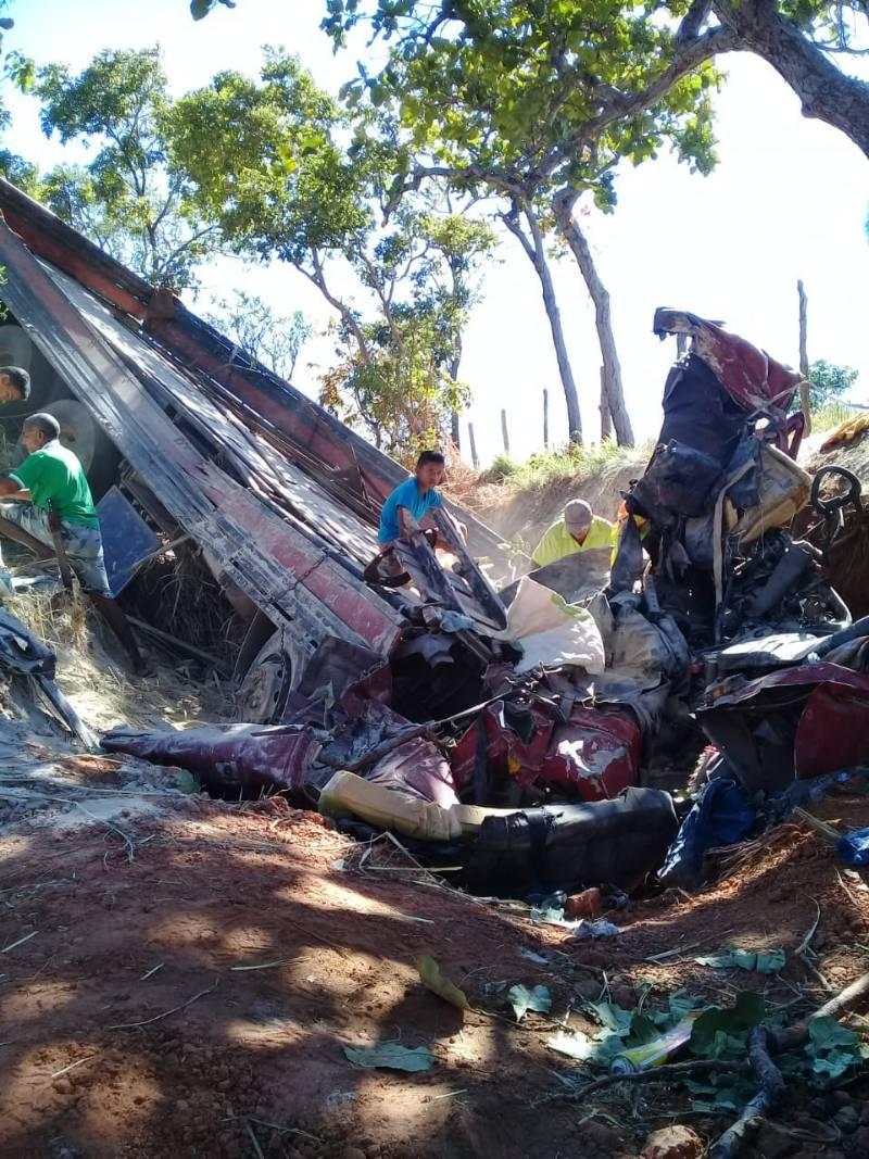 ACIDENTE próximo a Monte Alegre deixa duas vítimas fatais