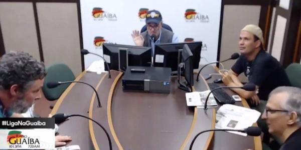 Jornalista se DEMITE AO VIVO após entrevista com Bolsonaro