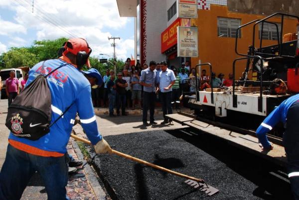 Início do Programa Pavimenta Mais na cidade de Bom Jesus-PI