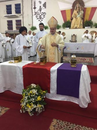 Missa dos Santos Óleos na Diocese de Bom Jesus